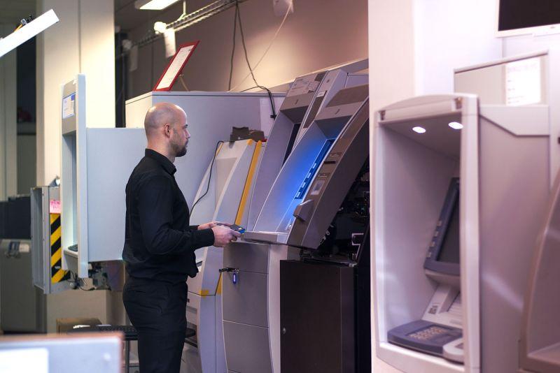 Náš software řídí transakce a bankomaty po celém světě.